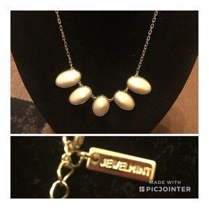 Elegant Jewelmint Necklace